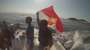 Fabio affiche ses couleurs sur la mer de la Sardaigne.