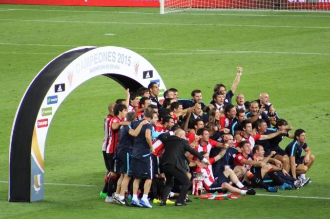 Campeones ! Bilbao célèbre sa victoire 31 ans après sa dernière Supercopa